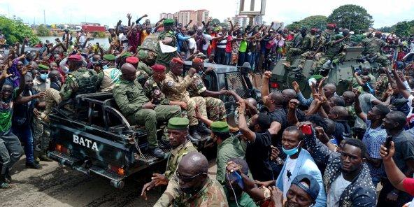 COUP D'ETAT EN GUINEE, FAITS, ANALYSES ET LECONS POUR LE RESTE DE L'AFRIQUE ! Population-putsch-guinee